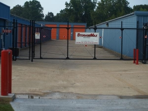 Image of StorageMax - Southwest Facility on 9305 Highway 18  in Raymond, MS - View 2