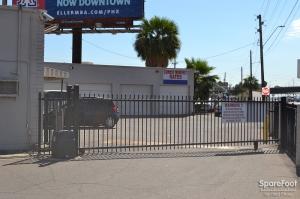Image of Grand Avenue Mini Storage Facility on 3636 Grand Avenue  in Phoenix, AZ - View 4