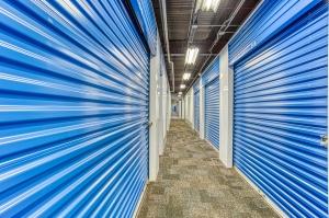 Devon Self Storage - Poplar Ave. - Photo 11