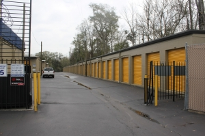 Storage King USA - Tallahassee - 1501 Capital Circle NW