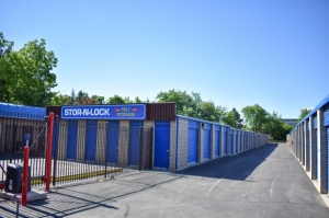 STOR-N-LOCK Self Storage - Boise - Fairview at Curtis - Photo 6