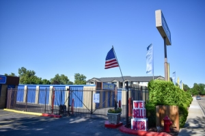 STOR-N-LOCK Self Storage - Boise - Fairview at Curtis - Photo 11