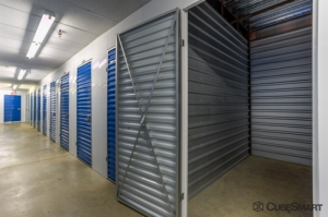 CubeSmart Self Storage - Elkridge - Photo 8
