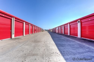 CubeSmart Self Storage - Richmond - 19840 Fm 1093 Road - Photo 5
