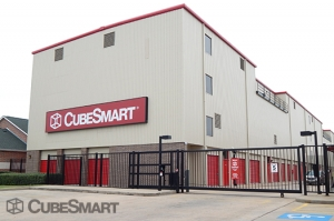 Image of CubeSmart Self Storage - Houston - 7939 Westheimer Rd Facility on 7939 Westheimer Rd  in Houston, TX - View 2