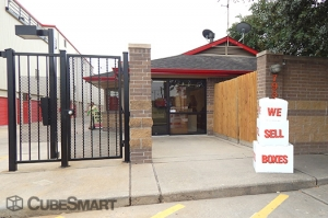 Picture of CubeSmart Self Storage - Houston - 7939 Westheimer Rd