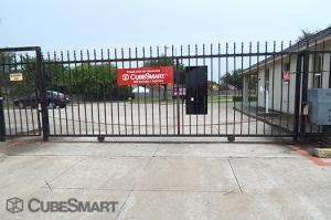 Image of CubeSmart Self Storage - Houston - 10030 Blackhawk Boulevard Facility on 10030 Blackhawk Boulevard  in Houston, TX - View 4