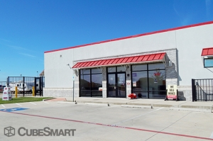 Image of CubeSmart Self Storage - Hutto - 646 West Front Street Facility on 646 West Front Street  in Hutto, TX - View 2