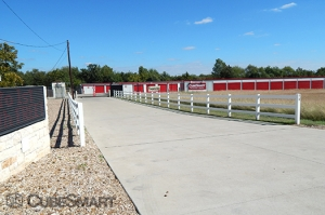 Image of CubeSmart Self Storage - Hutto - 110 South Fm 1660 Facility on 110 SOUTH FM 1660  in Hutto, TX - View 2