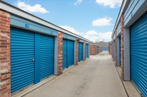 Image of Security Self Storage - College Blvd Facility on 13300 College Blvd  in Lenexa, KS - View 4