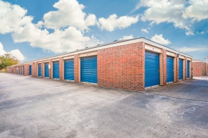 Image of Security Self Storage - Dairy Ashford Facility on 1611 South Dairy Ashford Road  in Houston, TX - View 3