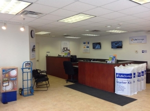 Image of Life Storage - Piscataway Township Facility on 3950 New Brunswick Avenue  in Piscataway Township, NJ - View 2
