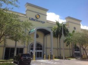 Life Storage - Fort Lauderdale