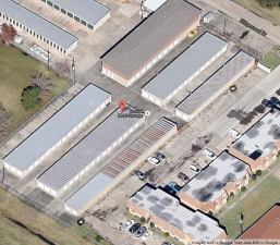 Image of Central Maxi Storage Facility on 885 Ridgewood Dr  in Port Neches, TX - View 4