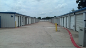 Image of Simply Self Storage - 1800 West Sublet Road - Arlington Facility on 1800 West Sublett Road  in Arlington, TX - View 2