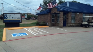 Image of Simply Self Storage - 1800 West Sublet Road - Arlington Facility on 1800 West Sublett Road  in Arlington, TX - View 3