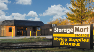 Image of StorageMart - 13th & Railroad Ave Facility on 125 S 13th St  in West Des Moines, IA - View 2