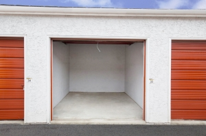Image of StorageMart - Miehe Dr & SE 19th St Facility on 1850 Se Miehe Dr  in Grimes, IA - View 3