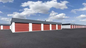 Image of StorageMart - Center St & 65th St Facility on 6525 Center Street  in Windsor Heights, IA - View 2