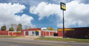 StorageMart - 14th St & Shawnee Ave