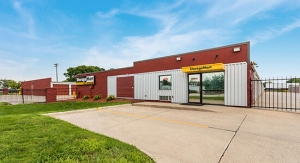 Image of StorageMart - 14th St & Shawnee Ave Facility at 4043 East 14th Street  Des Moines, IA