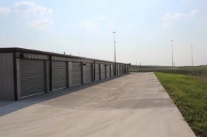 Lion Country Storage - Photo 6