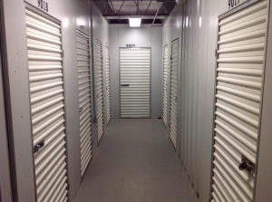 Image of Life Storage - Brentwood Facility on 8524 Manchester Road  in Brentwood, MO - View 2