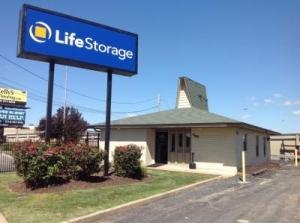 Life Storage - Fenton