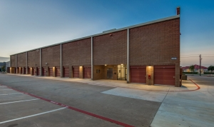 Image of Advantage Storage - Plano Superior Facility on 6500 West Plano Parkway  in Plano, TX - View 3