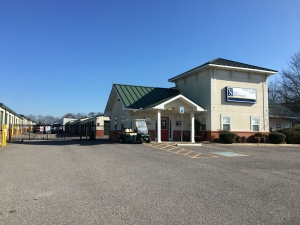 Picture of Simply Self Storage - Gallatin, TN - Belvedere Drive