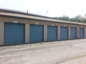 Image of Sentry Stor All Facility on 2995 Newpark Drive  in Barberton, OH - View 2