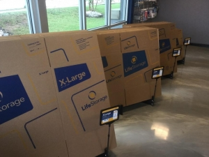 Image of Life Storage - Chattanooga - Broad Street Facility on 1380 Broad Street  in Chattanooga, TN - View 2