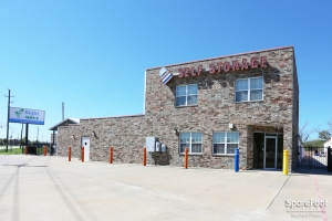 Image of Right Move Storage - Aldine Facility on 21667 Aldine Westfield Road  in Humble, TX - View 2