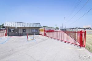 Image of Tellus Self Storage - Hawn Facility on 7979 C F Hawn Freeway  in Dallas, TX - View 2
