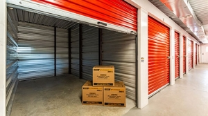 Image of StorageMart - SE Hamblen Rd & SE Oldham Pkwy Facility on 465 Southeast Oldham Parkway  in Lee's Summit, MO - View 2