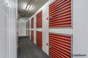 Image of CubeSmart Self Storage - Chicago - 407 East 25th Street Facility on 407 East 25th Street  in Chicago, IL - View 3