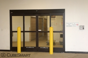CubeSmart Self Storage - Chicago - 6201 Harlem Avenue - Photo 8