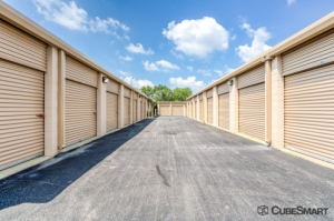 Image of CubeSmart Self Storage - Chicago - 6201 Harlem Avenue Facility on 6201 Harlem Avenue  in Chicago, IL - View 2