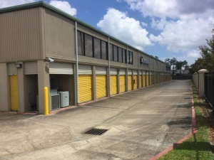 Image of Life Storage - Pearland Facility on 1729 East Broadway Street  in Pearland, TX - View 3