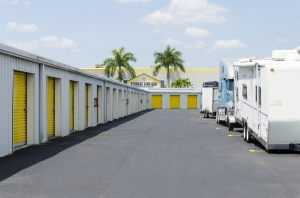 Storage King USA - 015 - Fort Pierce, FL - Okeechobee Rd - Photo 8
