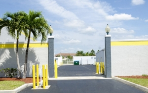 Storage King USA - 015 - Fort Pierce, FL - Okeechobee Rd - Photo 9