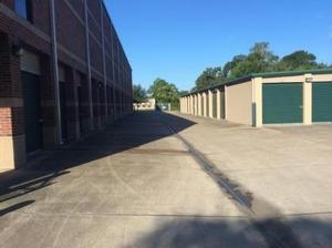 Image of Life Storage - League City - West Main Street Facility on 5960 West Main Street  in League City, TX - View 3