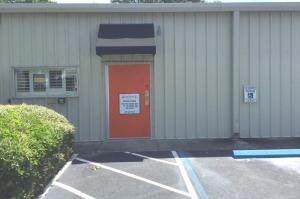 Extra Closet Storage - Clearwater - 2080 Palmetto St - Photo 2