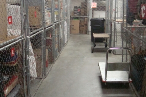 Extra Closet Storage - Clearwater - 2080 Palmetto St - Photo 4