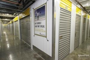 Safeguard Self Storage - Chicago - West Rogers Park - Photo 12