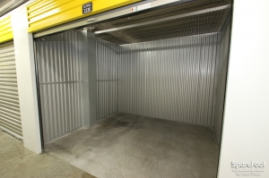 Safeguard Self Storage - Chicago - West Rogers Park - Photo 14