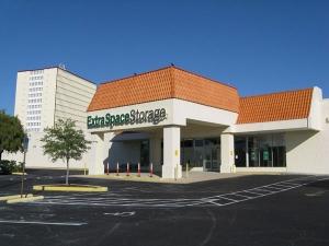 Extra Space Storage - South Pasadena - Pasadena Avenue S - Photo 7