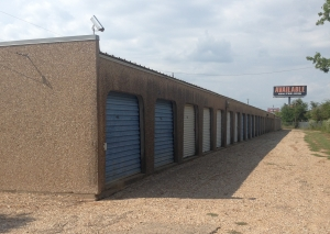 Image of 254-Storage 116 Facility on 6315 North Interstate 35   in Waco, TX - View 2