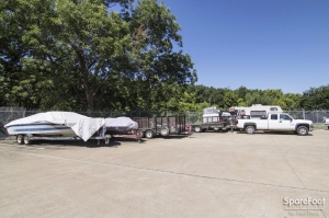 Image of Ambassador Self Storage Facility on 1702 Highway 121 Business  in Lewisville, TX - View 4