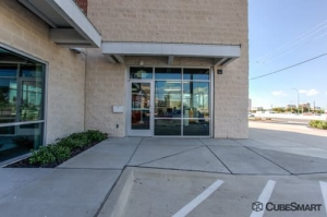 CubeSmart Self Storage - Dallas - 5818 Lyndon B Johnson Fwy - Photo 2